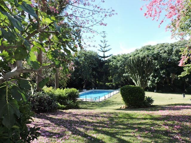 BEAUTIFULLY RENOVATED 2 BED GARDEN APARTMENT – EASY WALKING DISTANCE TO PUERTO BANUS!
