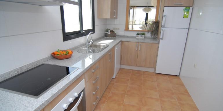 HOTA3216_8_kitchen