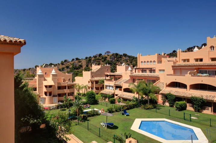 30% Off Apartments Elviria Marbella