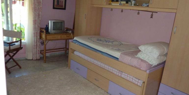 V1189_14_room 4