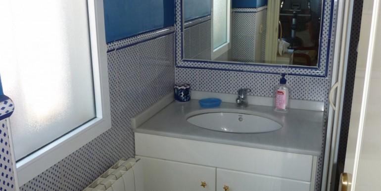 V1189_5_room 1 bathroom