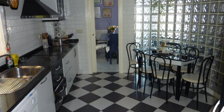 V1189_7_kitchen