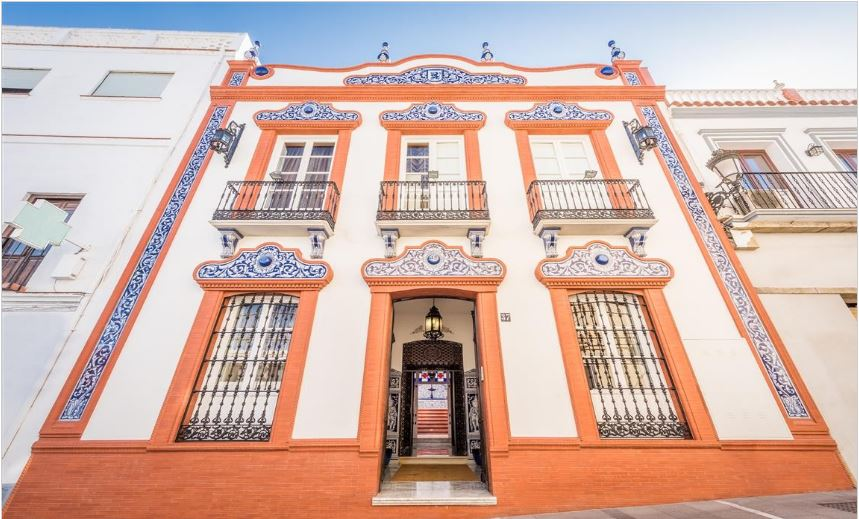 Unique Traditional Andalusian Mansion – Walking Distance to Amenities
