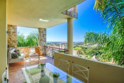 Views from terrace - property for sale in Benahavis area, Los Arqueros Golf