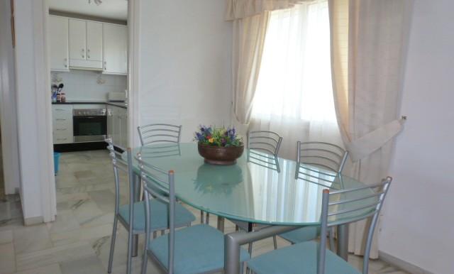A2690_6_Dining area
