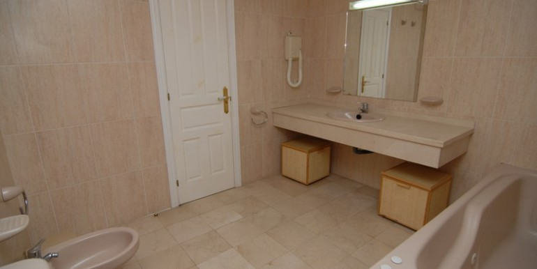 HOTA3094_6_Bathroom