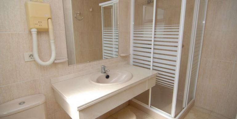 HOTA3094_8_Bathroom I