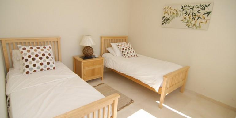 HOTPH3095_13_Guest bedroom
