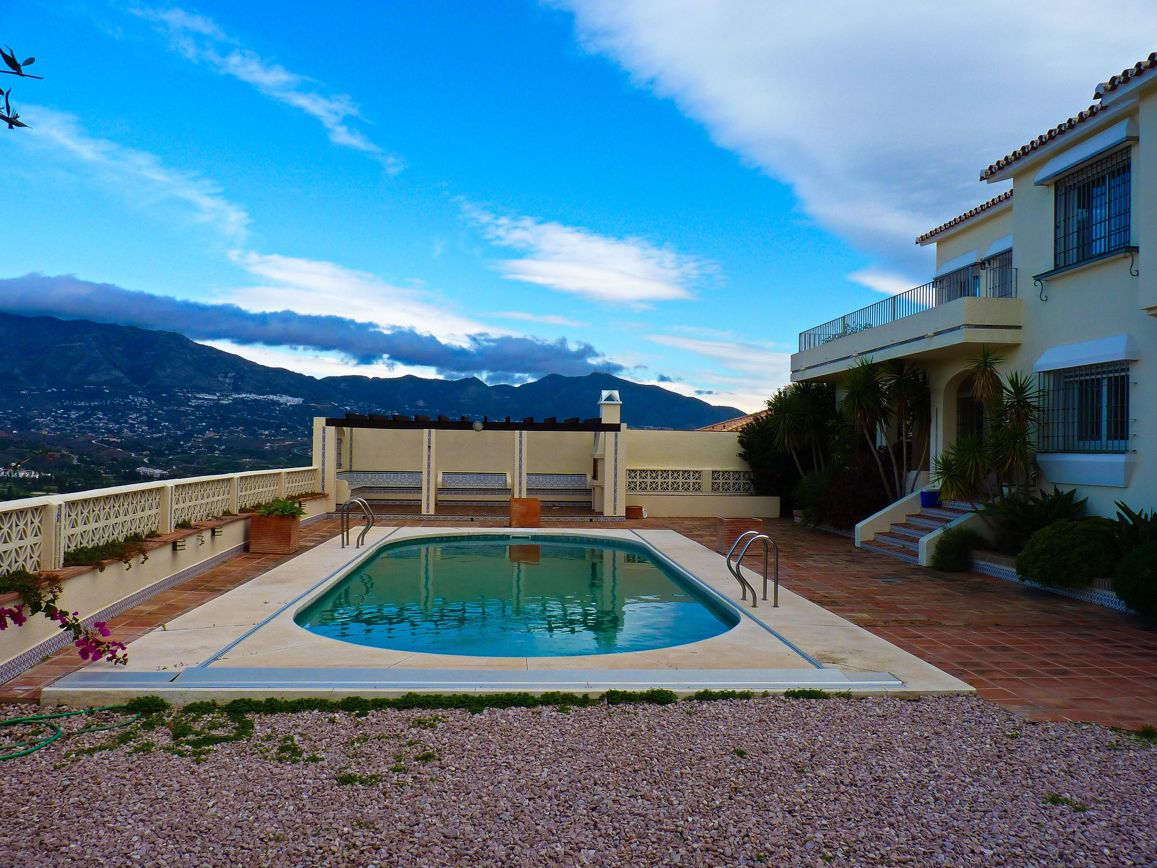 6 Bedroom Villa Mijas Costa