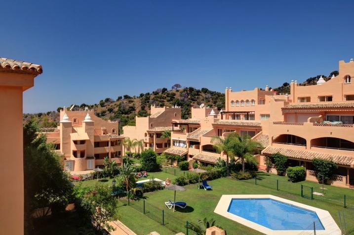 30% Off Apartments Elviria Marbella