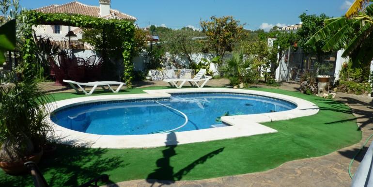 V1189_21_pool + garden