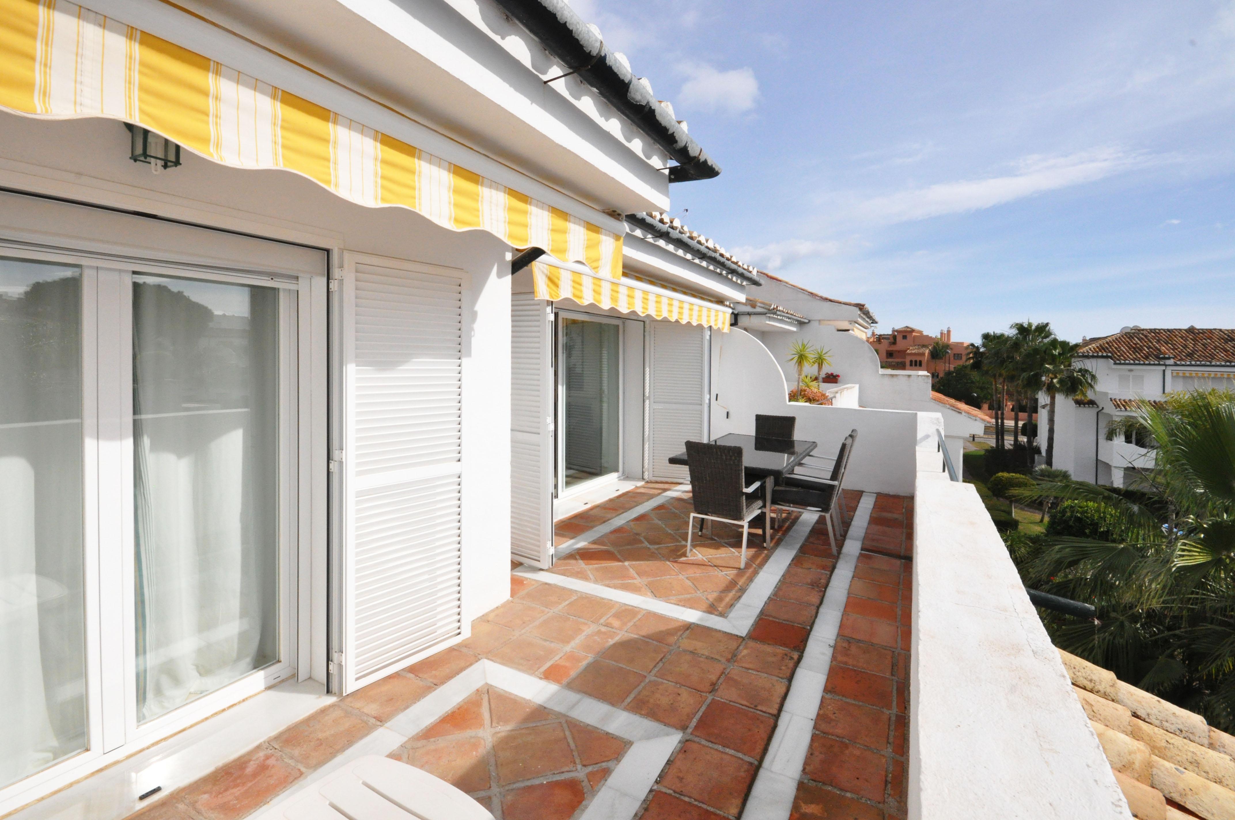 Beach Side Penthouse – Estepona – 225,000€ !!! – Under Offer