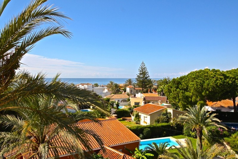 Beach Side Villa – Marbesa